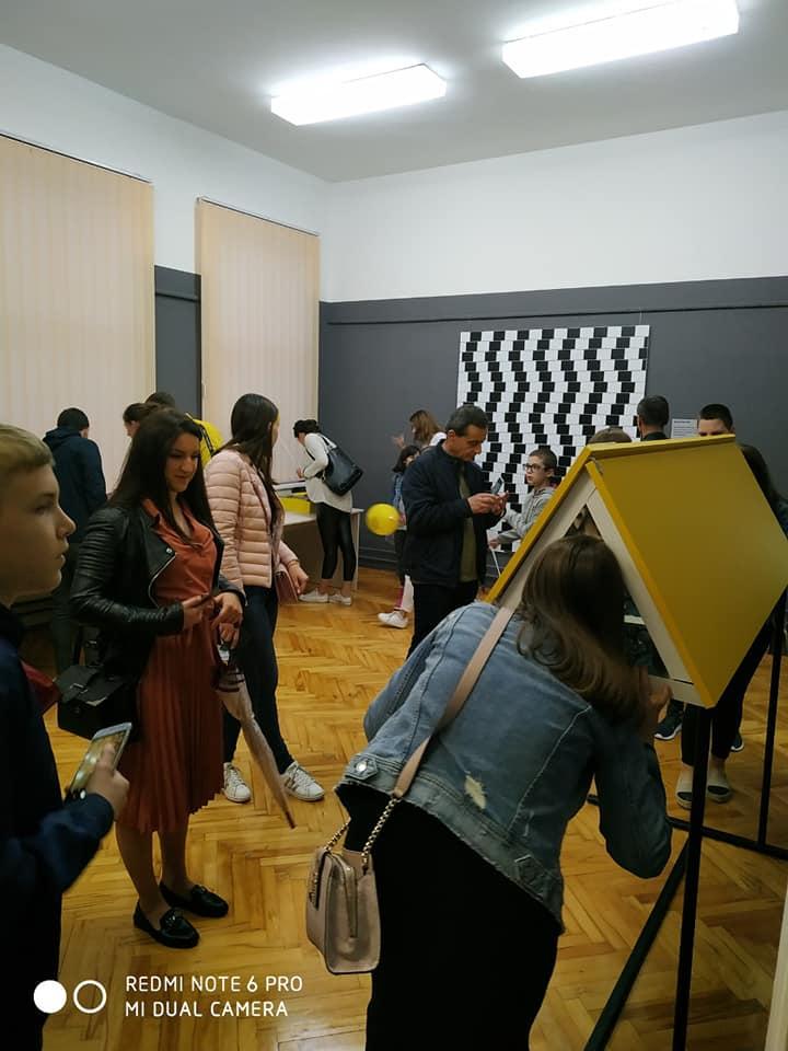 Гостујућа изложба Откључај свијет илузије и науке у Дервенти